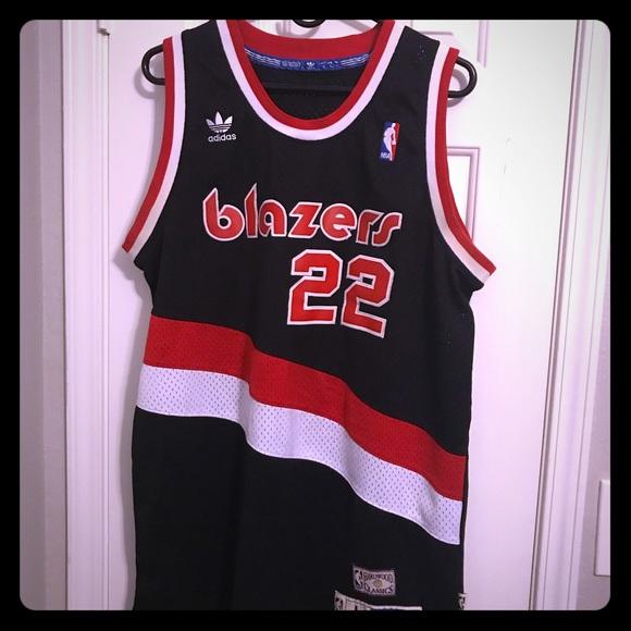 promo code c1ebd c51c7 Authentic Clyde Drexler Trail Blazers Jersey sz L